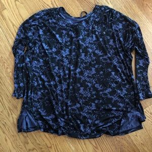 Livi Active Woman's Plus Size Top NWT!! 26/28